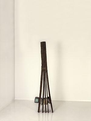 박현기--무제--1993--모니터,-돌,-나무,-싱글채널비디오,-무음